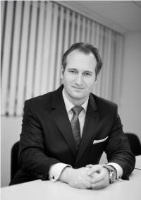 Dr Wolfgang Mueller